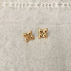 Vintage Gold Hammered Clover Earrings • Like New